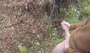 Surprise! Caught by a teen girl outdoors -She give a helping hand-20cm dick