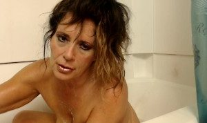 BATHTIME WITH mature mommy- stepson catches me