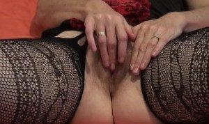 Amateur milf legs open wide masturbates enjoys orgasm.mp4