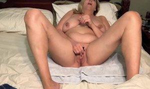 Wife masturbates with her vibrator